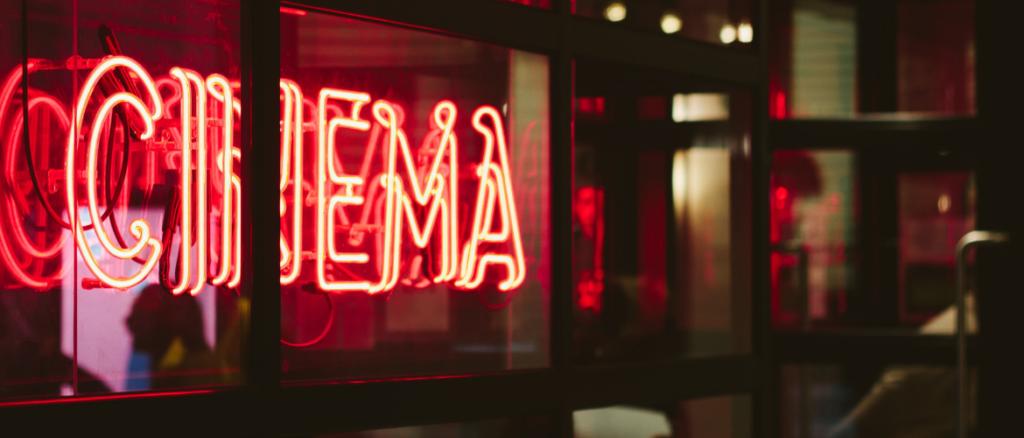 Dezelfde films vertonen in bioscopen en filmtheaters: is er sprake van een trend?