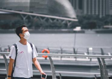 Nederlanders verdeeld over het dragen van mondkapjes in bioscopen